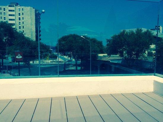 Aparthotel Rosa del Mar: Very close to the beach!