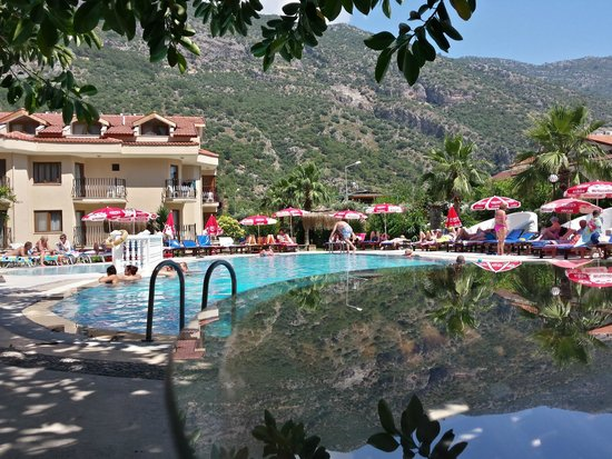 Ata Lagoon Beach Hotel: Basen