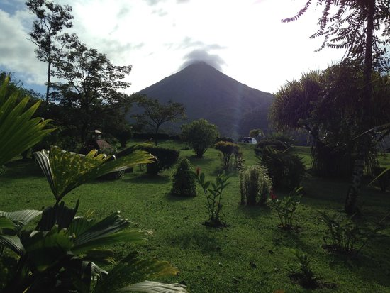 Hotel Lomas del Volcan: The view from our room was amazing!
