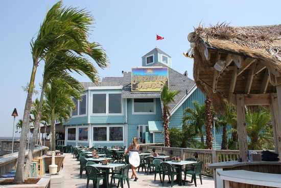 Sunset Grille & Raw Bar : Outside of Restaurant
