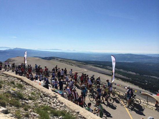 Mont Ventoux : On top of the world