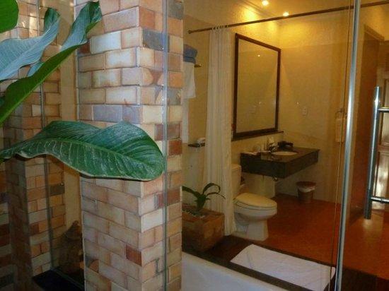 Sunny Beach Resort: ванная комната