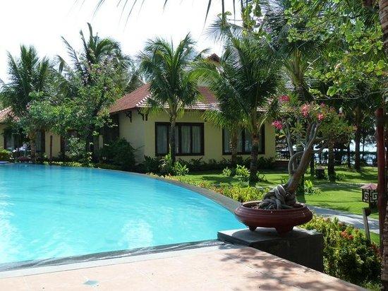 Sunny Beach Resort: бассейн