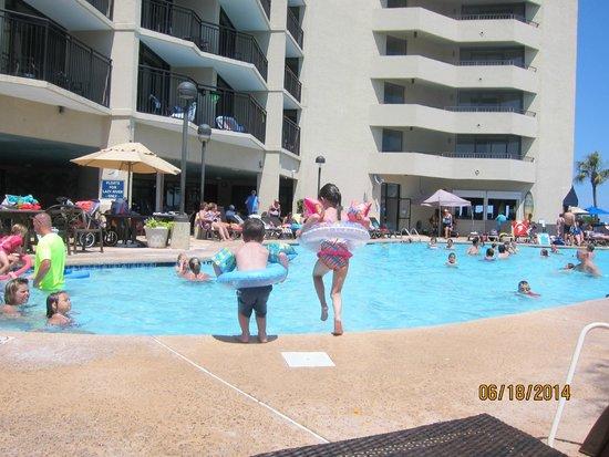 Ocean Reef Resort: my kids jumping in