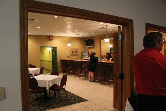 Deer Valley Lodge & Golf: Barneveld, Deer Valley Lodge, Banquet Hall and Pub Inside