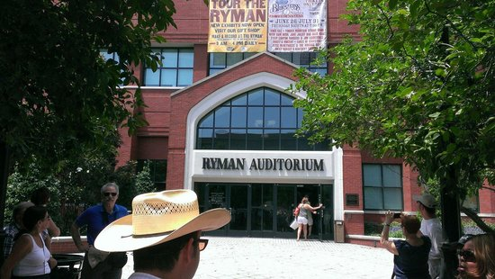 Walkin' Nashville - Music City Legends Tour: Ryman