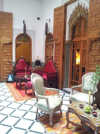 Riad Dar El Kebira : Central room of the Riad.