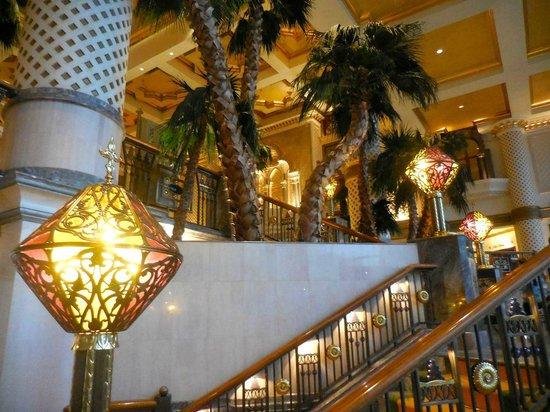Grand Hyatt Muscat : Grand Staircase