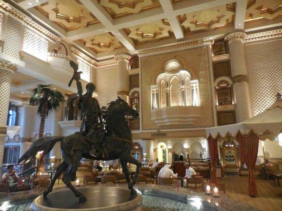 Grand Hyatt Muscat : The luscious lobby