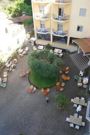 Conca Park Hotel: View of the courtyard