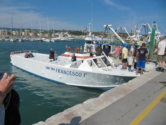 Motobarca Desiree Grotte Marine di Vieste : Our Boat