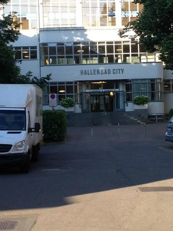Hallenbad City