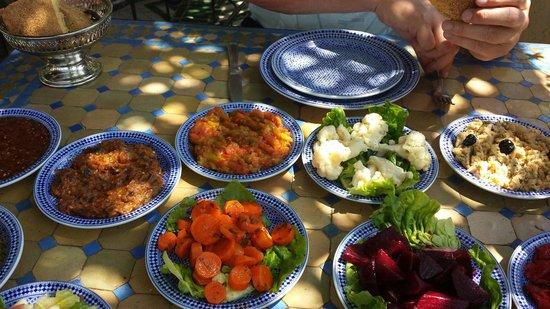 Palais de Fes : Perfecte bediening en zeer goed origineel Marokkaans eten.