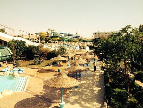 Dessole Titanic Aqua Park Resort: Slides