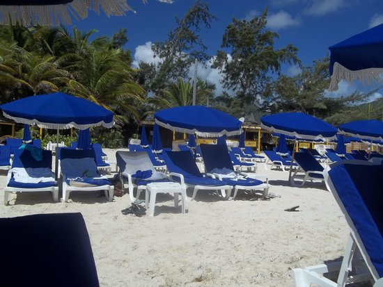 Orient Bay Beach : Other chairs