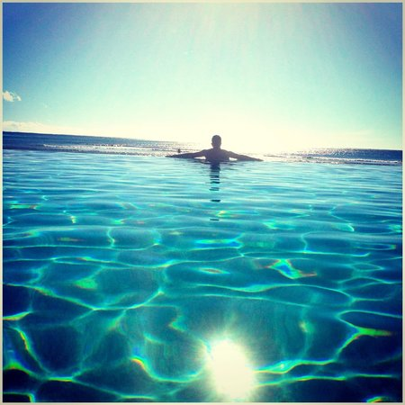 InterContinental Fiji Golf Resort & Spa: Infinity pool
