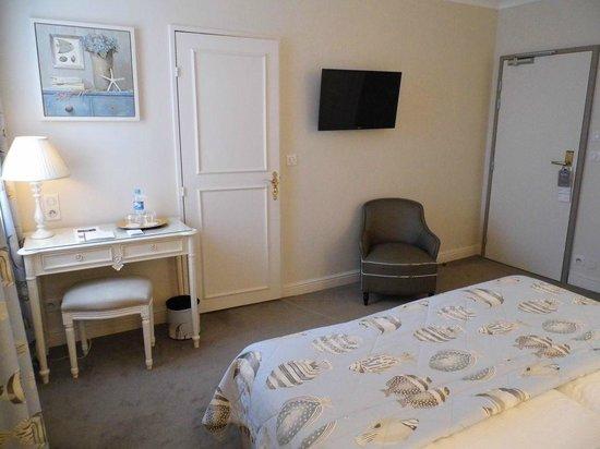 Hôtel Villa d'Est : Zimmer vom Bett aus