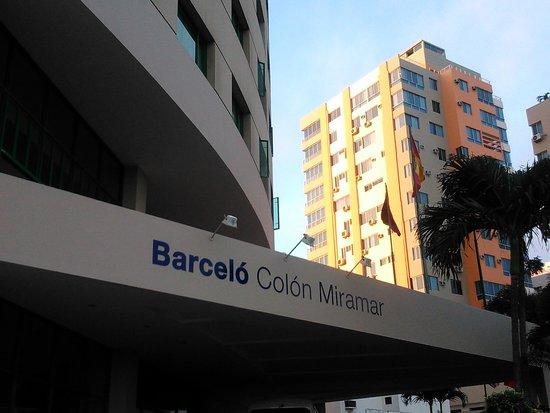 Barceló Salinas: Entrada