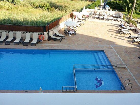 Invisa Hotel Es Pla: Piscina