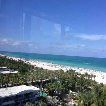 The Ritz-Carlton, South Beach : Vista de um quarto com vista para o mar.