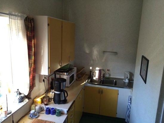 Kronans Bed & breakfast: Small kitchen