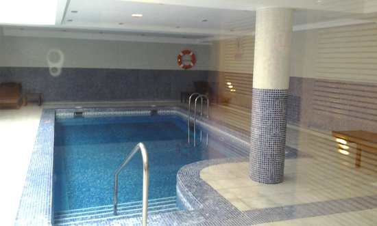 BQ Apolo Hotel: lovely indoor pool open in winter