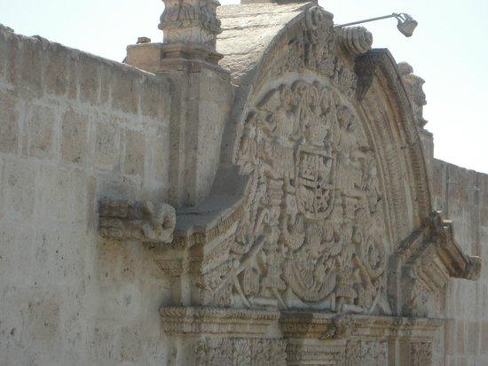 San Francisco Plaza, Church and Monastery: arquitetura