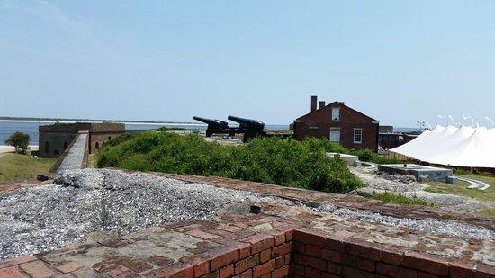 Fort Clinch State Park : Gun mounts facing northeast