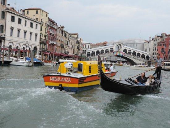 DiscoveringVenice -  Walking Tours: Venetian EMT and the Rialto Bridge