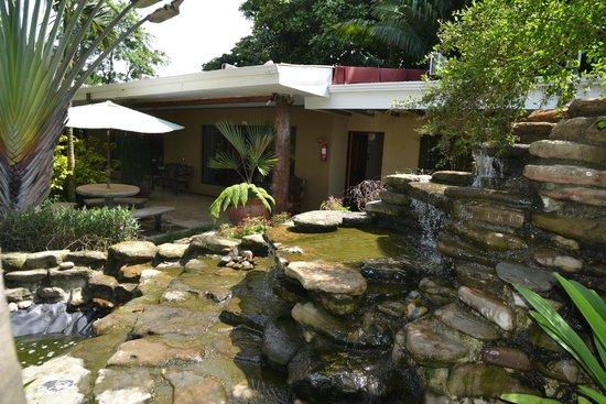 Hotel Diuwak: Jardines