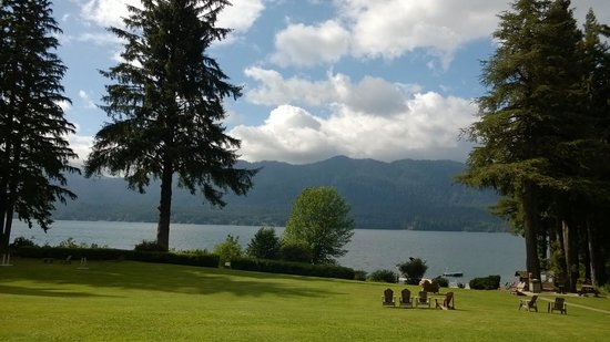 Lake Quinault Lodge: View from the lodge