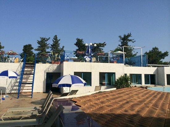 Nereus Hotel : верхняя терраса