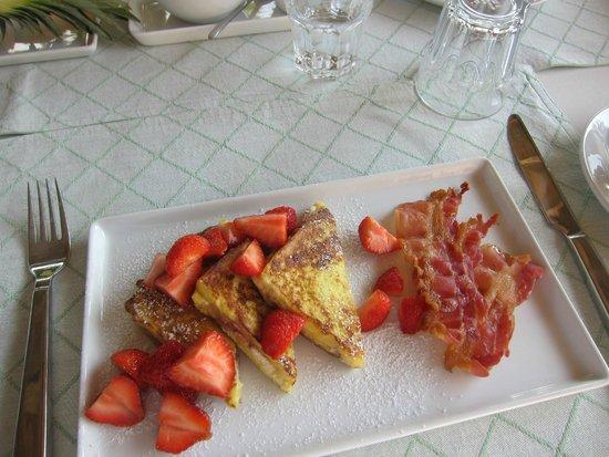 Casa di Maio: Breakfast