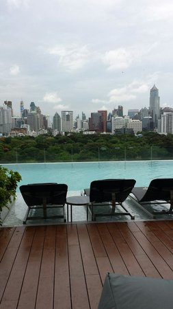SO Sofitel Bangkok: Infinity Pool
