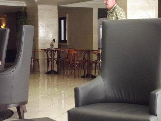 Solana Hotel: Lobby/Recetion area & Puccini Bar