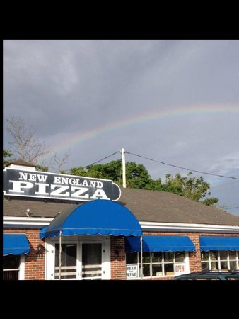 New England Pizza House : Rainbows over NEP