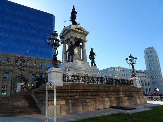 Monumento a Los Heroes : Vista parcial 2