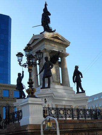 Monumento a Los Heroes : Vista parcial 1