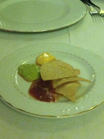 Melia Buenavista: The nachos on Mexican night - two each!