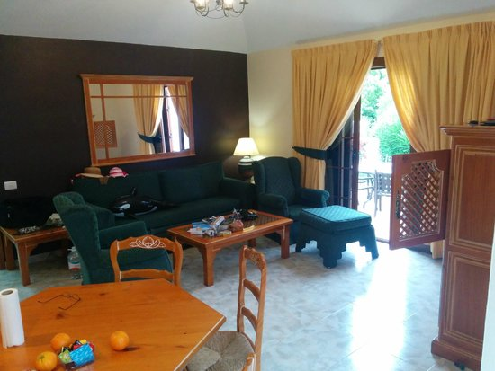 Royal Tenerife Country Club: living room of 72A