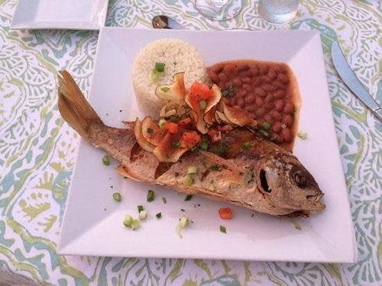 Susie's restaurant: grilled snapper with beans and rice