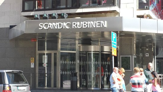 Scandic Rubinen : Enterance to Hotel