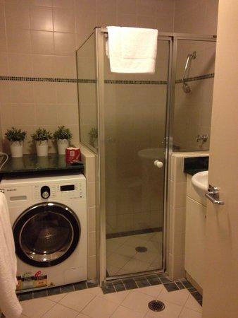 AEA Bridgeport: Bathroom room 913 1 bedroom apartment - only let down was poor water pressure