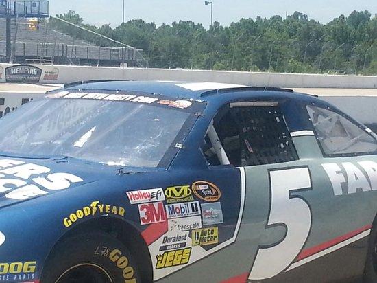 Rusty Wallace Racing Experience : Smashing the gas!