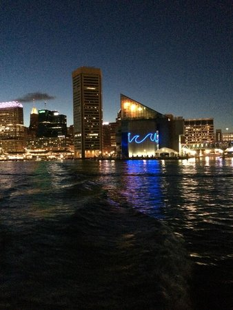 Baltimore Water Taxi: Water Taxi View at Night