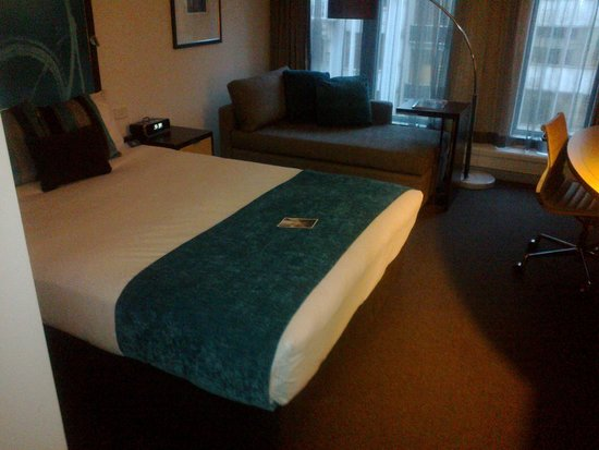 Novotel Melbourne on Collins: Room