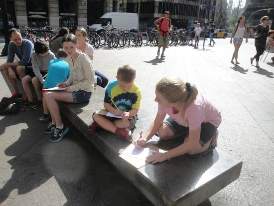 Runner Bean Tours Barcelona: The race to color the orginal flag of Spain.