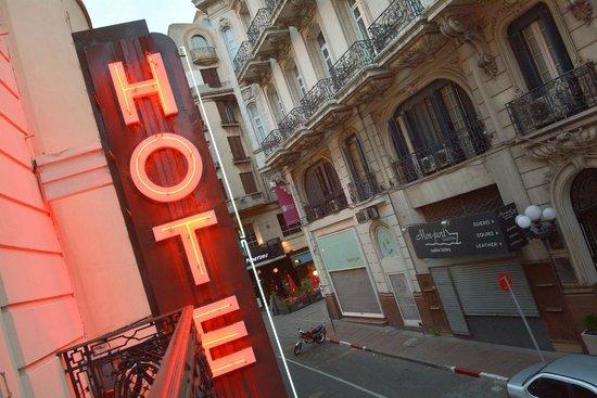 Hotel Palacio: Cartel luminoso