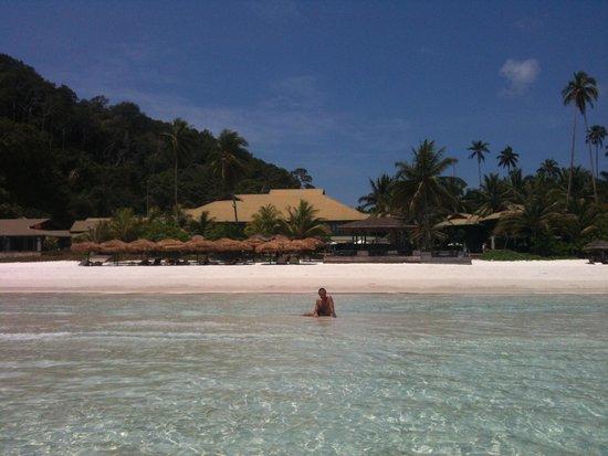 The Taaras Beach & Spa Resort: Vista dalla spiaggia