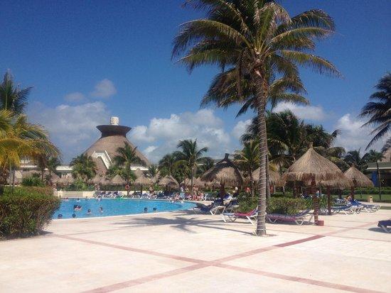 Grand Bahia Principe Tulum: Bahia Principe Pool